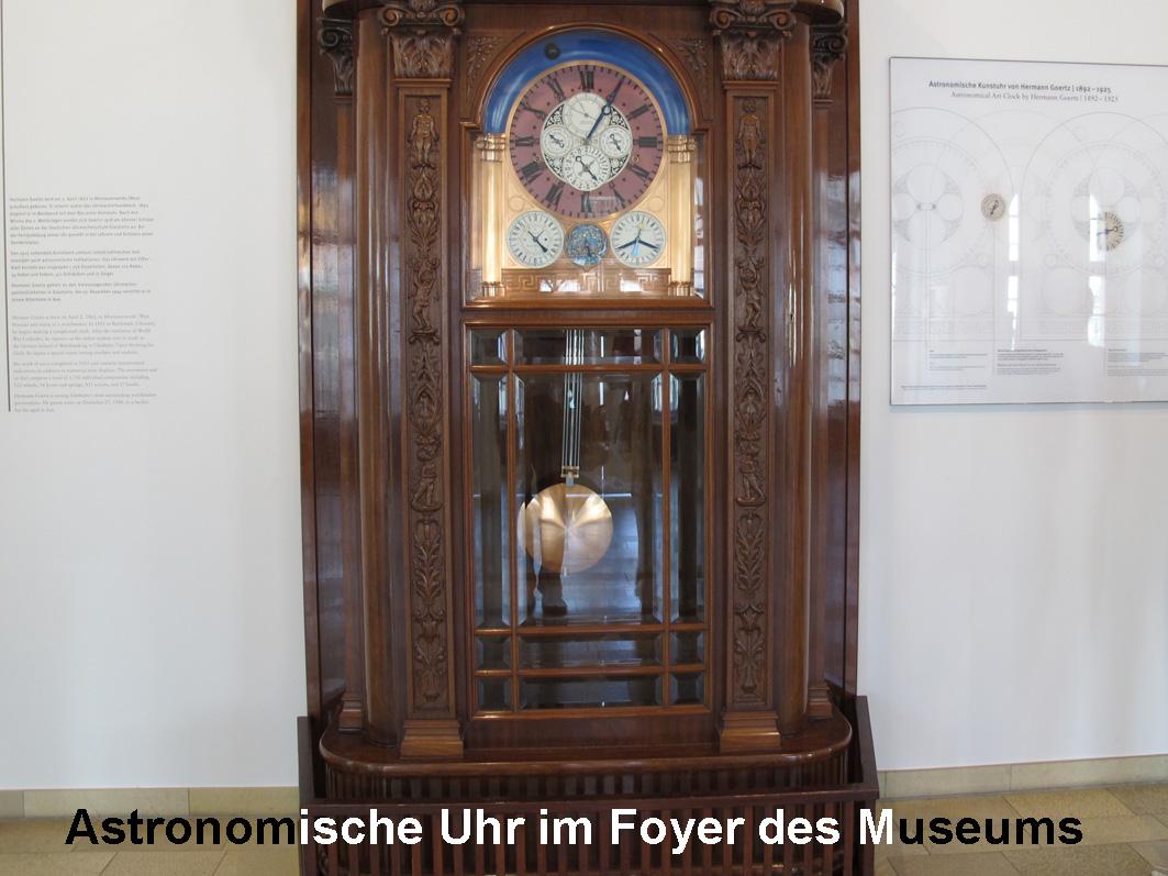 008-Astronomische Uhr
