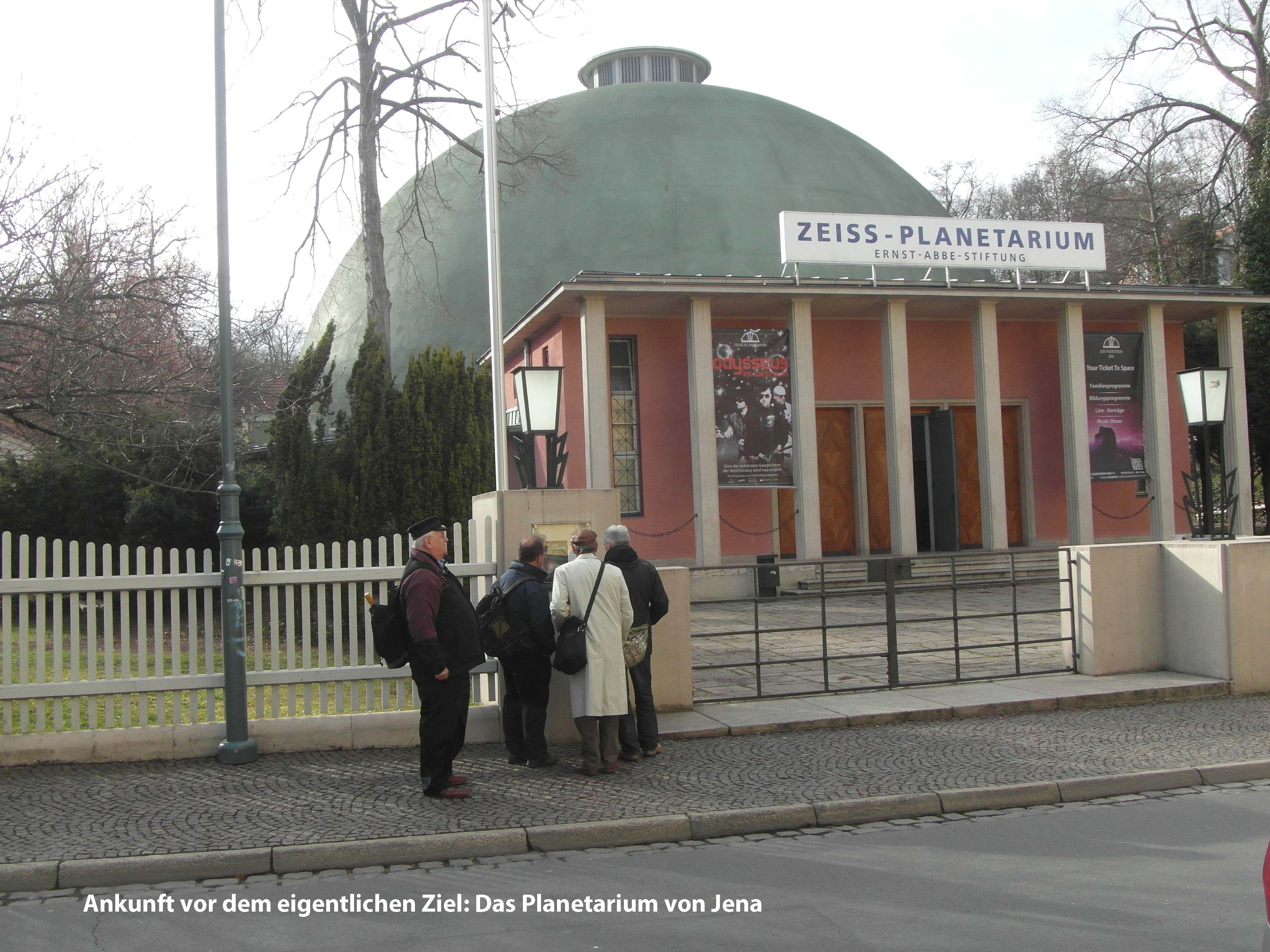 8 - Am Planetariumx