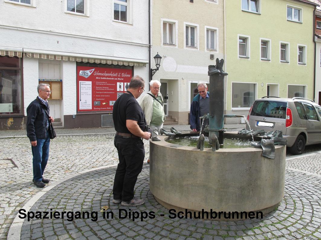 7 - Schuhbrunnen
