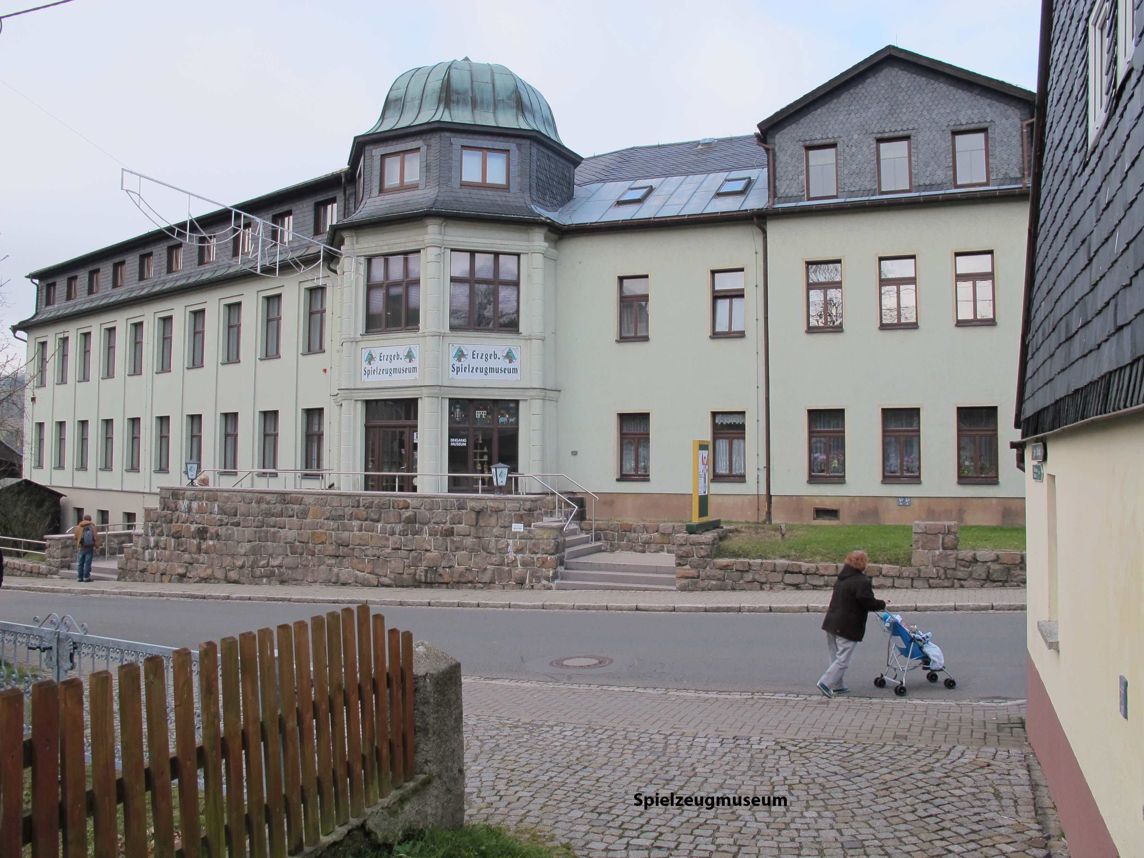 2Spielzeugmuseum
