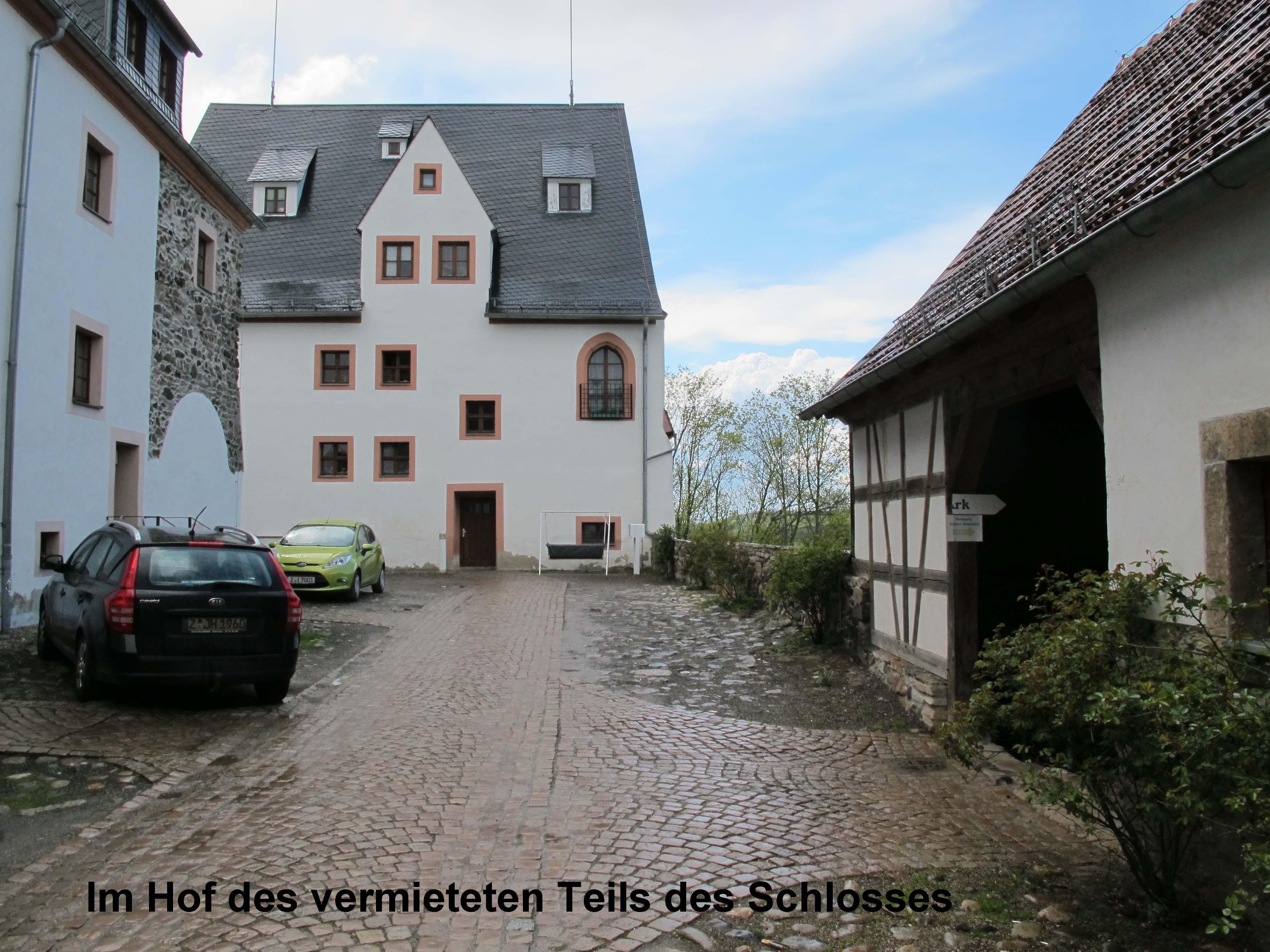 7 Schlosshof